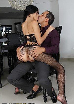 Kissing Tranny Pics